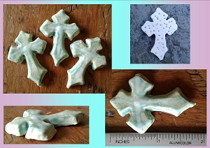 Set 3 Celtic Cross Cabochons Fine Porcelain Green Irish Pendants Templar Cross Amulets Mosaic Scrapbooking