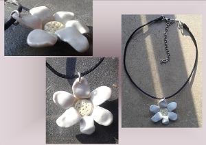Porcelain Daisy Choker Pendant Necklace Ceramic Flower Bead