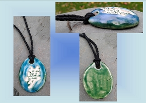 Kanji Dream Aromatherapy Necklace Turquoise Green Ceramic Essential Oil Diffuser Pendant Clay Amulet