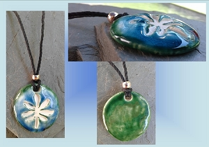 Turquoise Green Marijuana Leaf Ceramic Aromatherapy Necklace Essential Oil Diffuser Pendant Cannabis