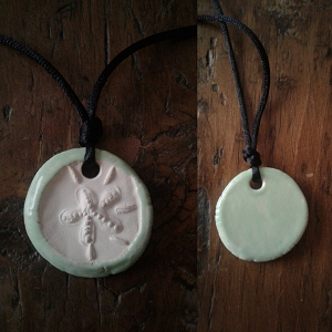 Sand Dollar Necklace Ice Green Aromatherapy Clay Pendant Essential Oil Diffuser Disc