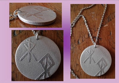 Viking Warrior Necklace Metal Pendant Norse Viking Rune Amulet Etched Metal Disc Warrior Bind Rune